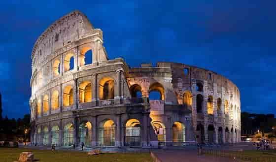 Colisée de Rome architecture construite sous les Flaviens