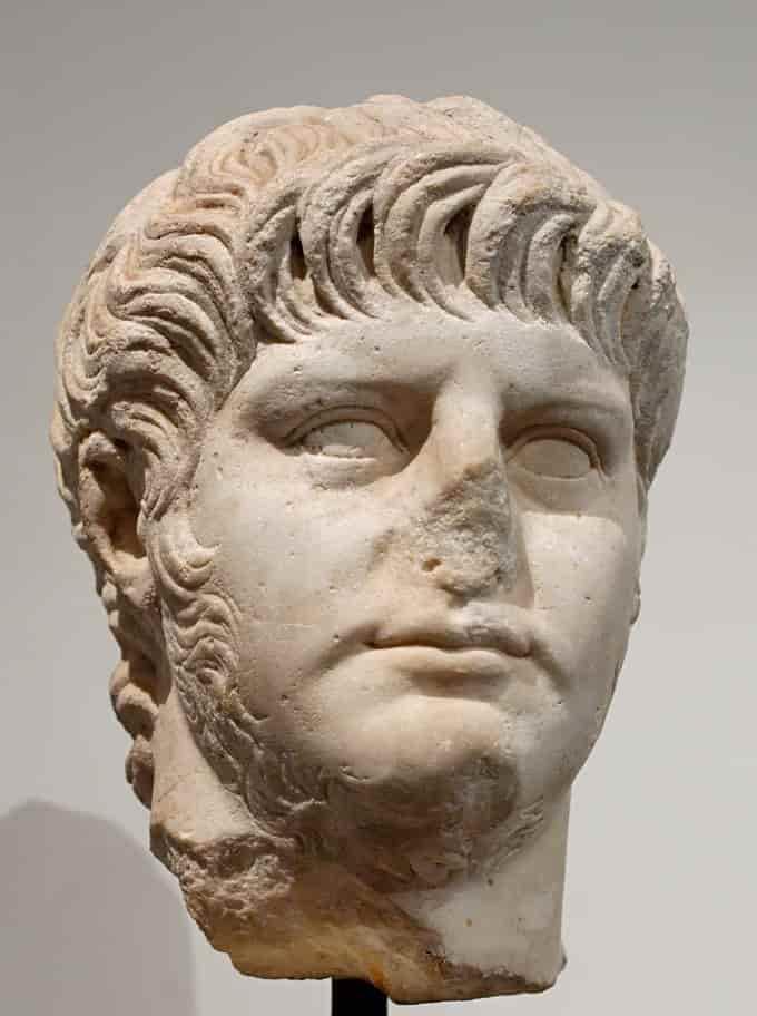 Qui était Néron l'empereur fou ?