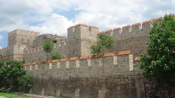 Grande muraille d'Europe, murs de Constantinople